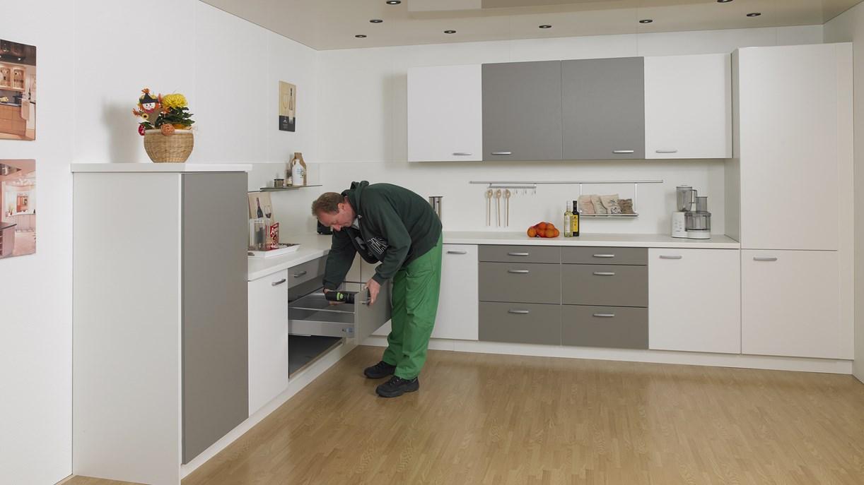 portas werkwijze voor keukenrenovatie portas nederland. Black Bedroom Furniture Sets. Home Design Ideas