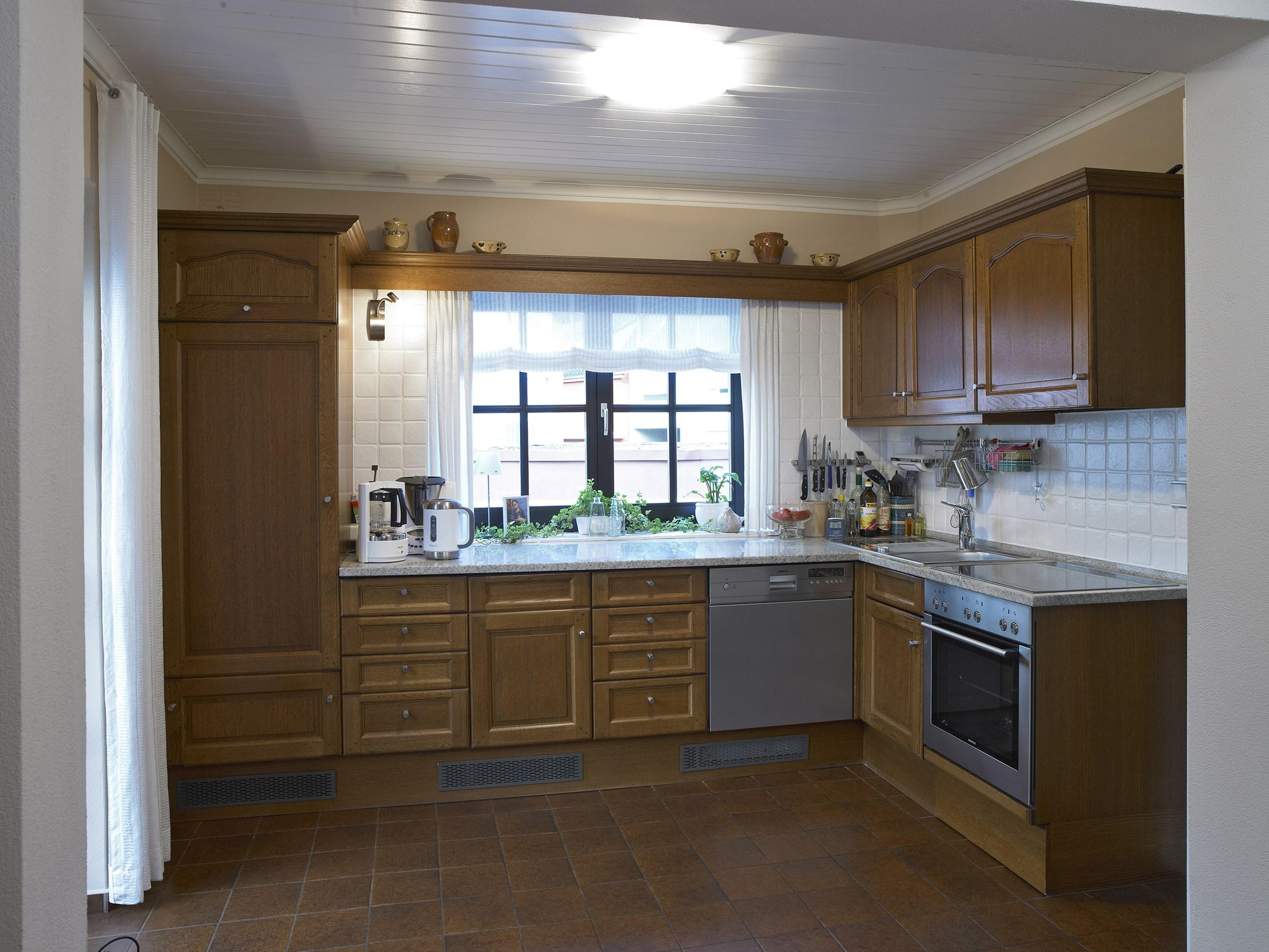 klantenvoorbeelden keukenrenovatie portas nederland renovatie. Black Bedroom Furniture Sets. Home Design Ideas